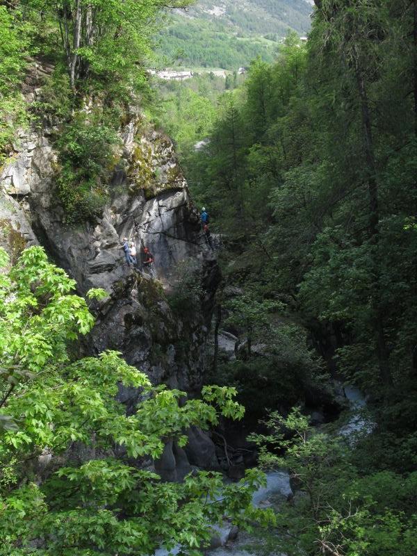 Gorges d'Ailefroide: pelvouxlesclaux020.jpg