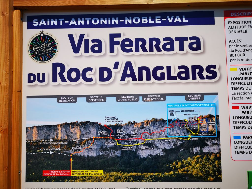 Le Roc d'Anglars: saintantoninnobleval007.jpg